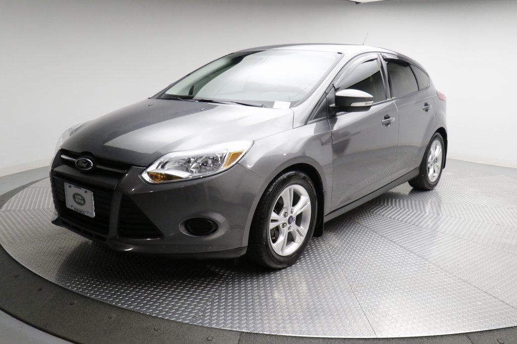 Pre-Owned 2014 Ford Focus 5dr Hatchback SE