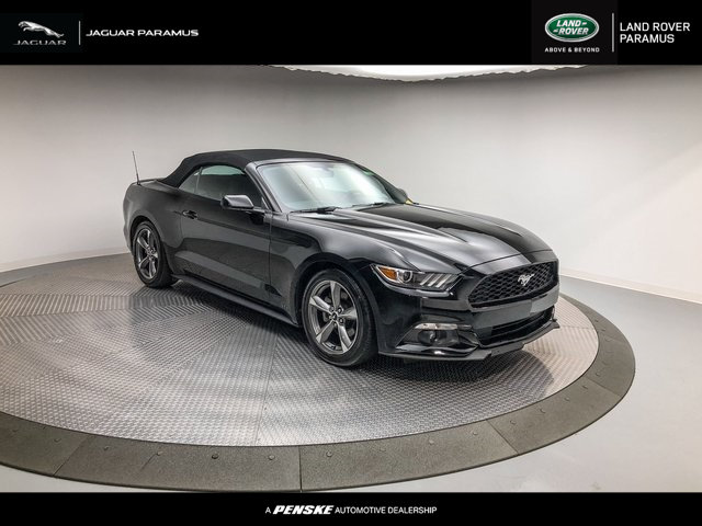 Pre Owned 2015 Ford Mustang 2dr Convertible V6 Convertible In